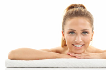 Peelingi wygładzające skórę od L'Oréal